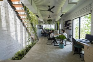 HoKhueArchitectsModernVillageOffice-889x592